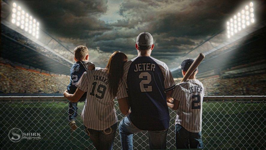 Shirk-Photography-Family-Portraits-Iowa-Creative-Baseball-Stadium-Yankees