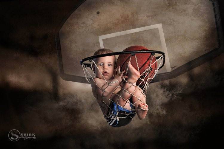Shirk-Photography-Family-Portraits-Iowa-Creative-Basketball-Hoop-Baby