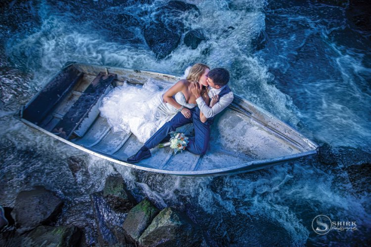Shirk-Photography-Family-Portraits-Iowa-Creative-Boat-Couple-Wedding-Water