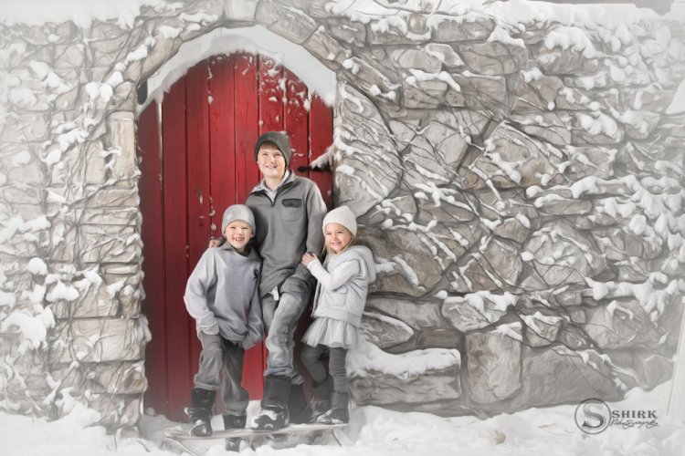 Shirk-Photography-Family-Portraits-Iowa-Creative-Children-Winter-Snow