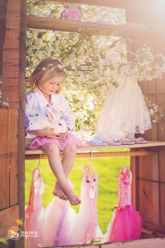 Shirk-Photography-Family-Portraits-Iowa-Creative-Dance-Little-Girl