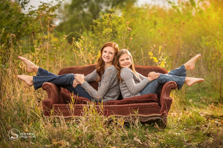 Shirk-Photography-Family-Portraits-Iowa-Creative-Daughters-Couch-Outdoors
