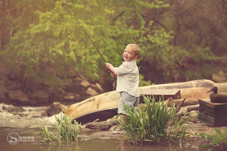 Shirk-Photography-Family-Portraits-Iowa-Creative-Fishing-Son-Lake