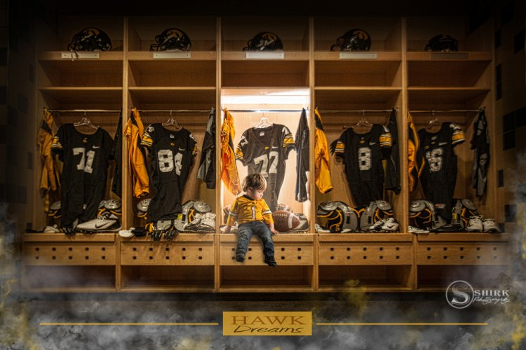 Shirk-Photography-Family-Portraits-Iowa-Creative-Football-Locker-Room
