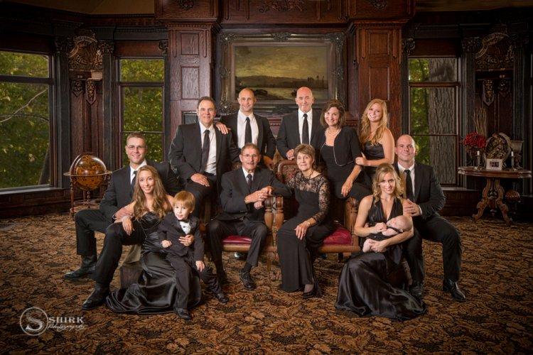 Shirk-Photography-Family-Portraits-Iowa-Creative-Formal