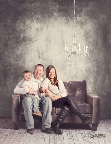 Shirk-Photography-Family-Portraits-Iowa-Creative-Grunge-Newborn-Indoors
