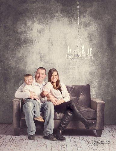 Shirk-Photography-Family-Portraits-Iowa-Creative-Grunge-Newborn-Indoors