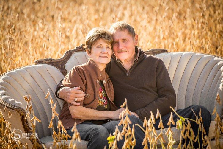 Shirk-Photography-Family-Portraits-Iowa-Creative-Husband-Wife-Fall
