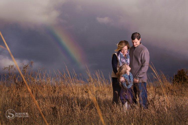 Shirk-Photography-Family-Portraits-Iowa-Creative-Rainbow-Daughter
