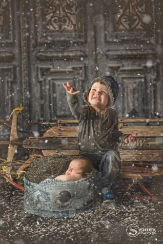 Shirk-Photography-Family-Portraits-Iowa-Creative-Sled-Indoors-Sled