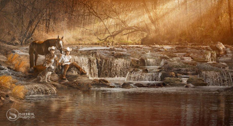 Shirk-Photography-Family-Portraits-Iowa-Creative-Stream-Sunset-Horse-Sisters