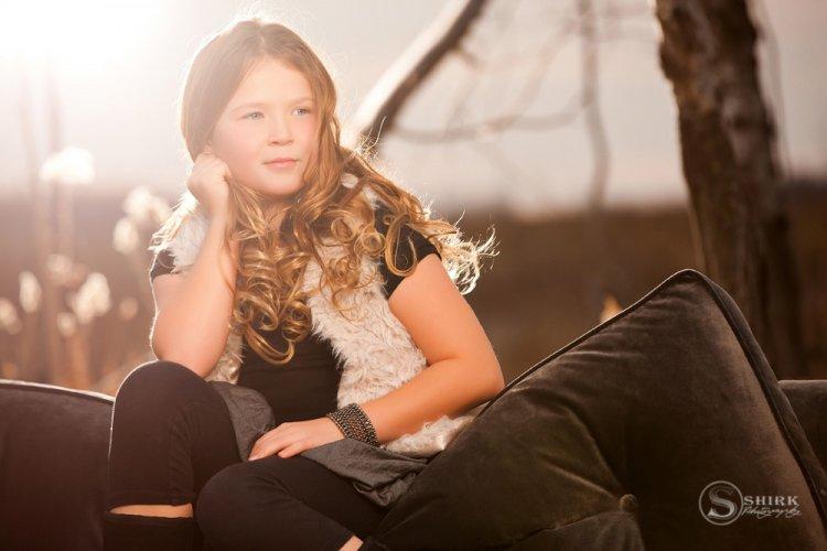 Shirk-Photography-Family-Portraits-Iowa-Creative-Sunset-Daughter