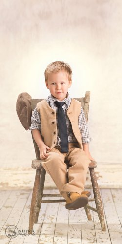 Shirk-Photography-Family-Portraits-Iowa-Creative-Young-Child